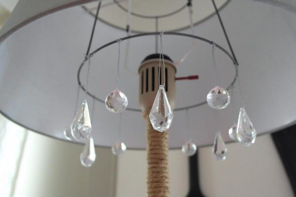 TOMATO CAGE TOP!!! Genius!!!!  diy chandelier floor lamp makeover, Sypsie Designs featured on Remodelaholic