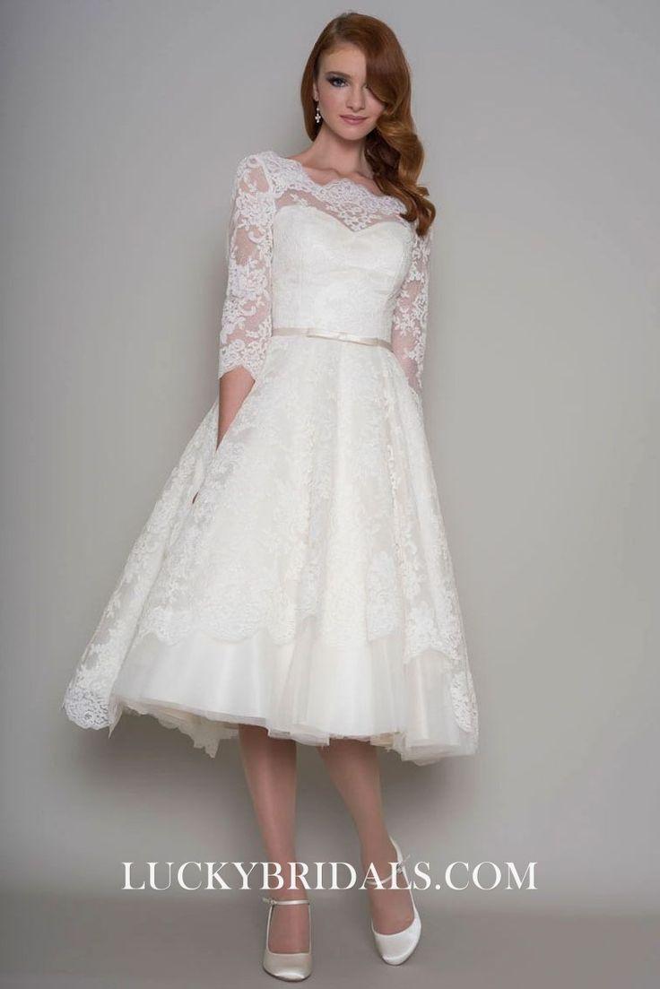 Kurzes elegantes Brautkleid mit rückseitig offenem, trägerlosem