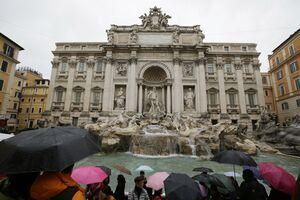 Italia/Roma: Faimoasa Fântână Trevi va fi restaurată cu fonduri puse la dispoziţie de casa de modă Fendi