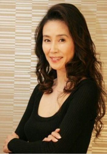 萬田久子さんのようなロングヘア♡ヘアスタイル 50代一覧☆