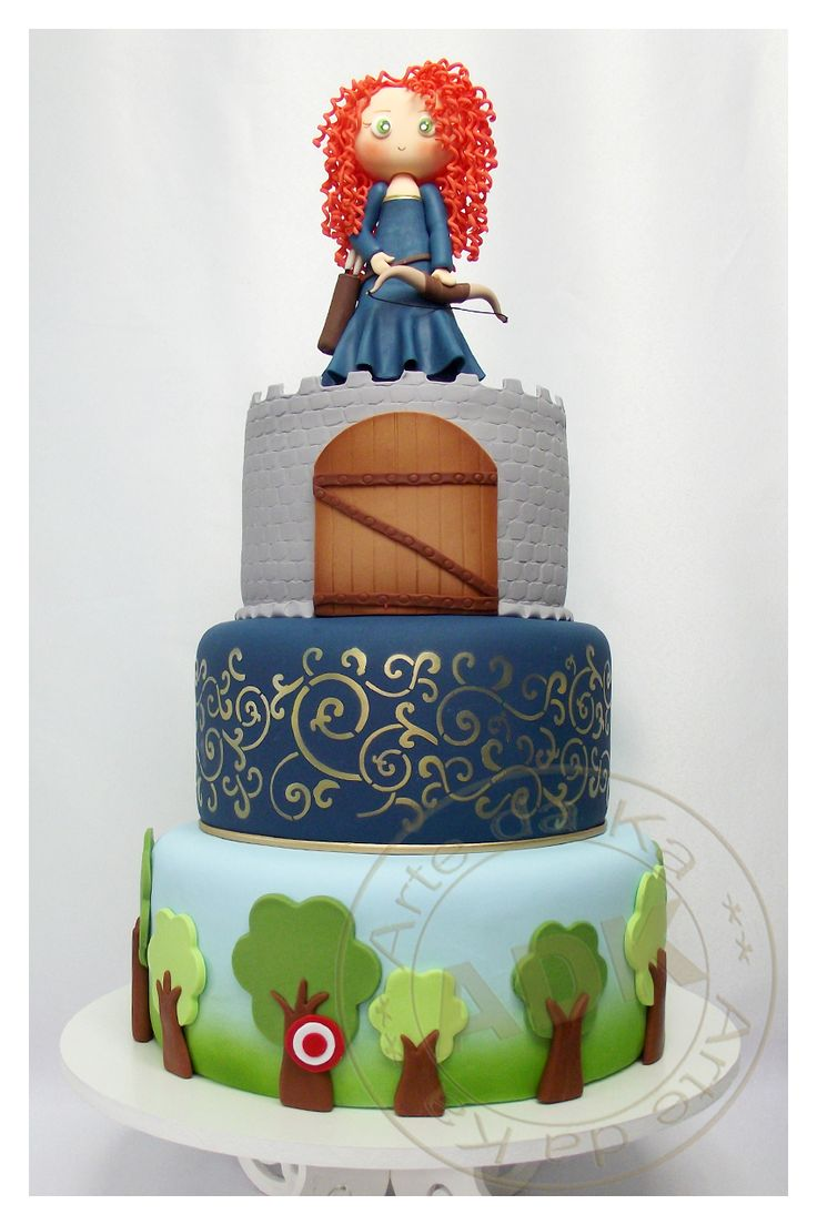 Valente - Brave cake.                                I love her work, Karine Alves creates masterpieces, a shame that they must be cut at all!