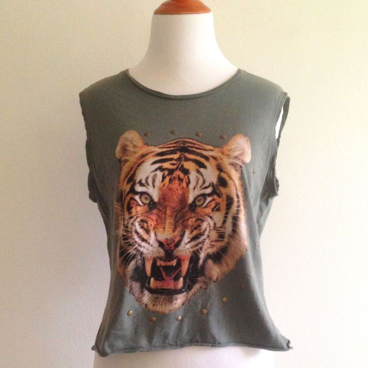 Cotton On Women's Sz S Small Top Tiger Studded Cropped Sleeveless Green Shirt  #CottonOn #KnitTop #Casual