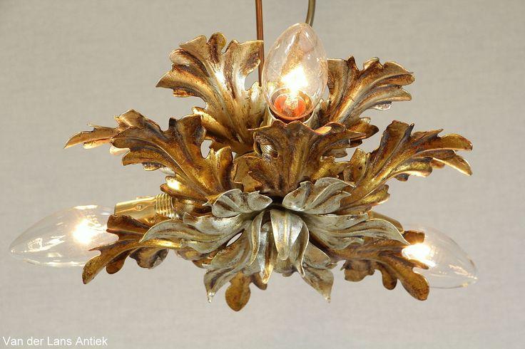 Italiaanse plafonniere 26607 bij Van der Lans Antiek. Meer antieke lampen op www.lansantiek.com