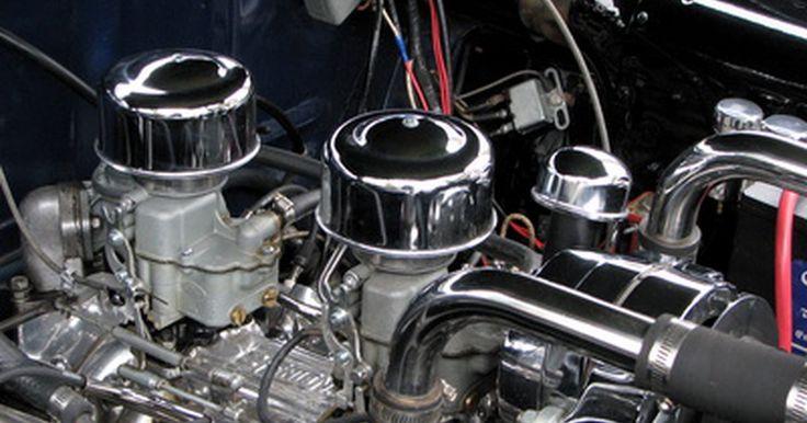 Cómo cambiar el termostato en un Jeep Grand Cherokee. Disponible por más de 30 años, el Grand Cherokee es un modelo popular ofrecido por Jeep. Sea cual sea el tipo de motor o el año que pueda tener, el proceso de sustitución del termostato en una Grand Cherokee sigue siendo el mismo. Si tienes problemas de sobrecalentamiento con tu Jeep, aquí verás la manera de cambiar el termostato.