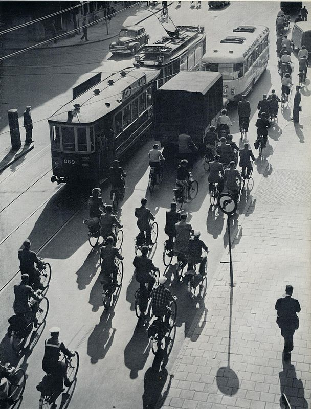 1957. Rush hour traffic at the end of a work day in Amsterdam. Photo Kees Scherer. #amsterdam #1957