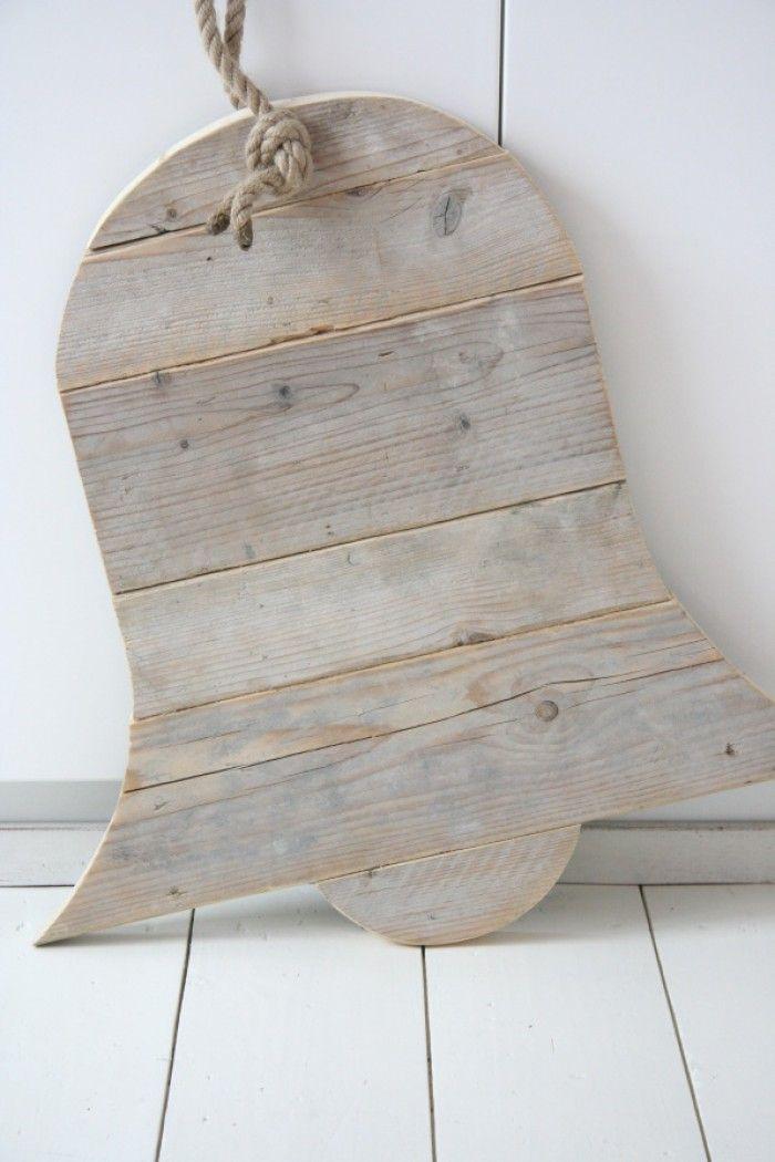 steigerhouten klok met dik touw