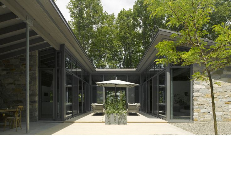 Bromont House   2012   Paul Bernier Architecte Courtyard Behind Midsection  Of Great Room?