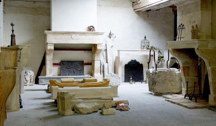 Antieke schouwen - depot Pol Standaert Brugge