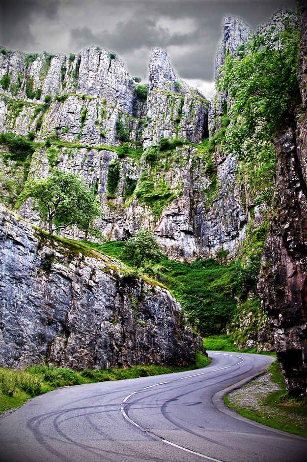 Cheddar Gorge in Somerset, Egland | 16 Places You'll Hardly Believe Are In The United Kingdom
