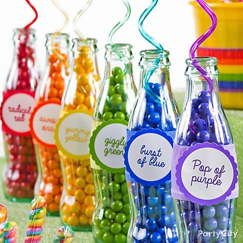 This candy buffet idea is soda-licious! Make a rainbow of soda bottles that *pop* with every color of candy! (My (Mi) notes - for decoration in the kitchen windowsill, or create a window sill from a painted wooden pallet, use colored beads)