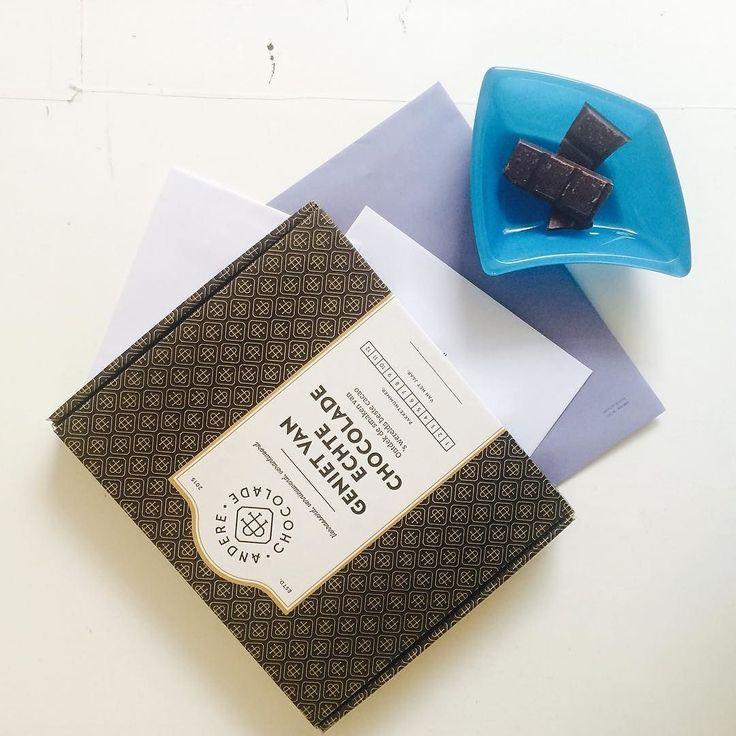 Oké het was wel echt een beetje een blue monday vandaag.. Maar ik heb wel besloten wat er in de #decemberbox komt.. En trust me dáár worden we allemaal heel blij van  (26 nov gaan we versturen! #yiehaa) #chocolade #post #chocola #cadeau #box #chocoladeverzekering #december #kado #anderechocolade
