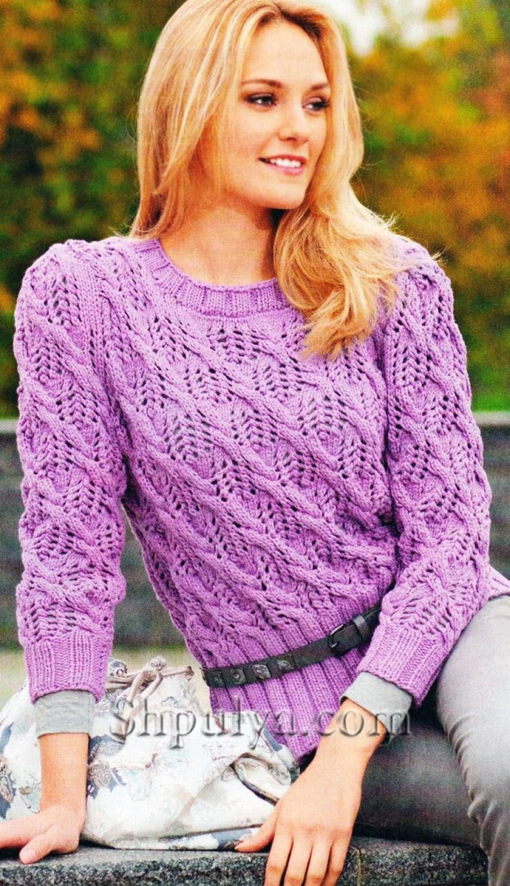 www.SHPULYA.com - Сиреневый пуловер из ажурного узора с косами