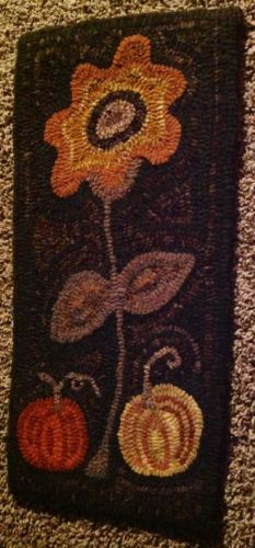 handmade hand dyed hand hooked primitive wool rug brand new no reserve great!