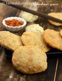 Bhedawi Puri recipe | by Tarla Dalal | Tarladalal.com | #3887