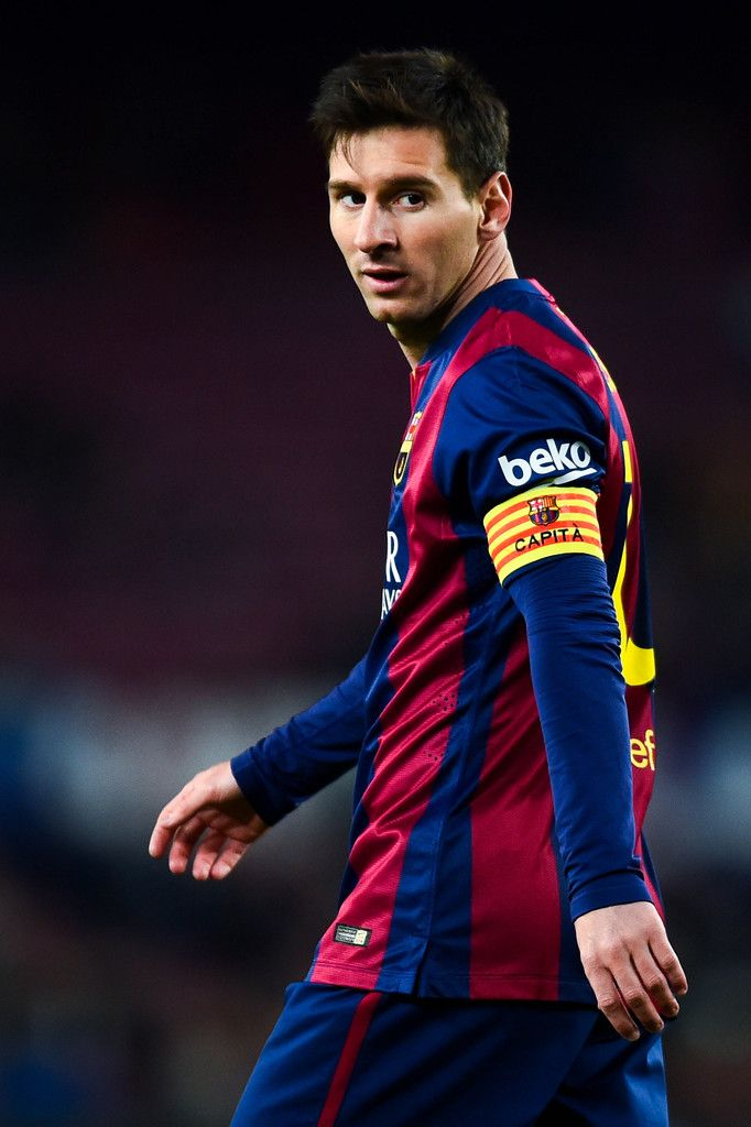 Lionel Messi of FC Barcelona looks on during the Copa del Rey Round of 16 First Leg match between FC Barcelona and Elche CF at Camp Nou on January 8, 2015 in Barcelona, Catalonia.