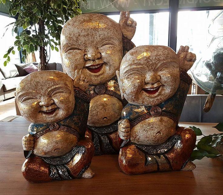 ☆☆☆NIEUW BINNEN☆☆☆ Lachende baby Boeddha's Happy Baby Boeddha staat voor geluk, blijheid, succes, welvaart en voorspoed. Neem een kijkje op de website van teakhuis.nl voor nog meer leuke woonaccessoires!