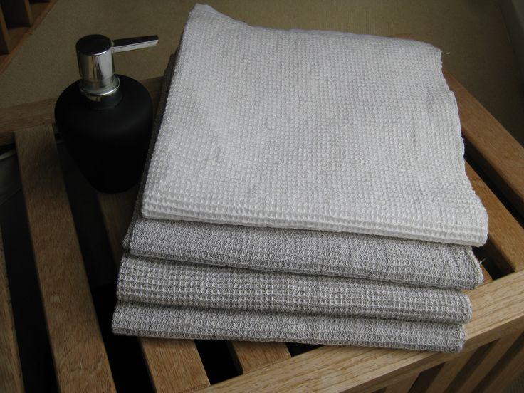 Badehåndklæder i hør, bomuld og tencel.