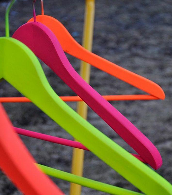 DIY Inspiration Neon Kleiderbügel