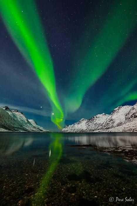 Nice Aurora over Tromso, Norway すごい!オーロラ‼