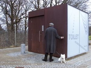 Knud Holscher Design has created a concept for toilet modules for the Danish Road Directory. The modules are primarily for use in picnic areas along the Danish highways. Designparameters were safety and security for the user, flexibility and architectural adaptability to a variety of situations. Double toughened glass facades with integrated lighting fixtures serve as both external as well as internal lighting for the modules