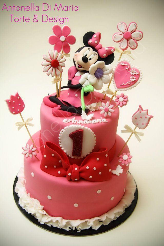Minnie Mouse Cake LOVE this cake!!!!!