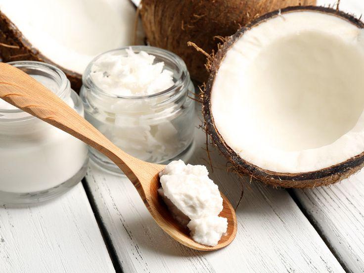 Superfood aus den Tropen: 8 Dinge, die passieren, wenn du täglich einen Löffel Kokosöl zu dir nimmst