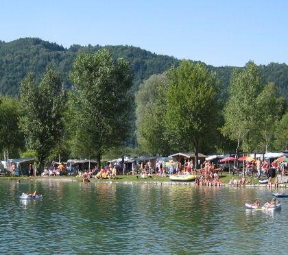 Der Campingplatz Camping Kärnten, Familienurlaub, Kindercamping, mit eigenem Badesee, Hundefreundlich Kind Familie Urlaub Sonne | Camping Rosental Rož