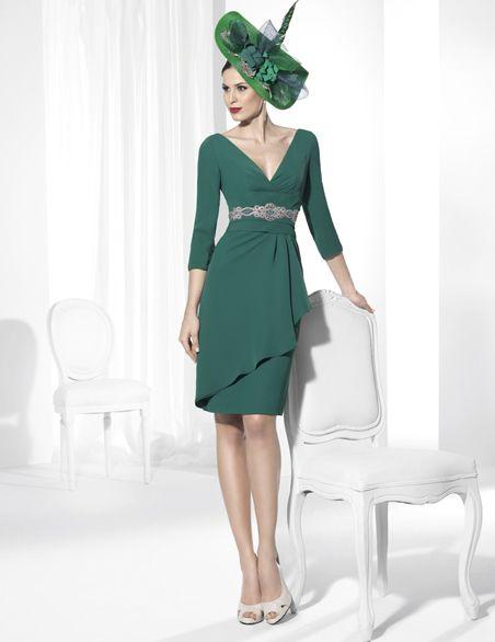 Franc Sarabia-Vestidos de fiesta corto confeccionado en Crep verde botella.