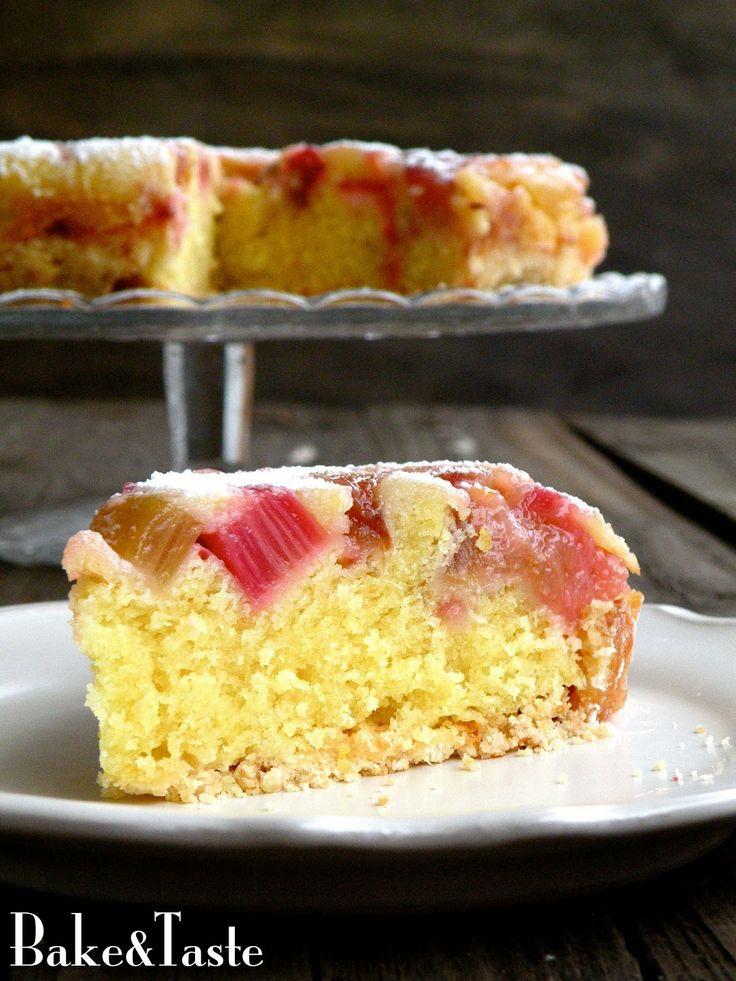 Odwrócone ciasto z rabarbarem Rhubarb Upside-Down Crumb Cake