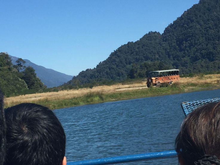 Navegando el río negro, Peulla