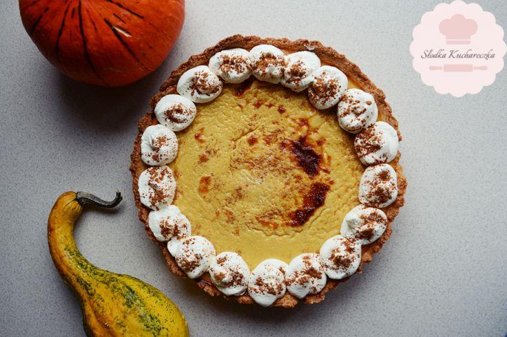 Pyszny, tradycyjny i amerykański Pumpkin Pie na kruchym cieście. Idealne ciasto na jesienne wieczory czy na Halloween.