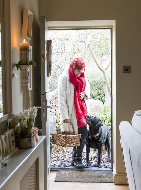 25 Beautiful Homes Kitchens: 25 Beautiful Homes.