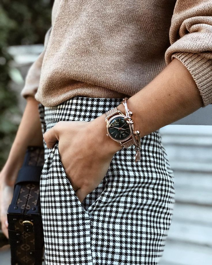 "3,064 Likes, 80 Comments - Stephanie Weizman (@stephweizman) on Instagram: ""The best way to complete an outfit is by adding the perfect watch. Loving this elegant one from…"""