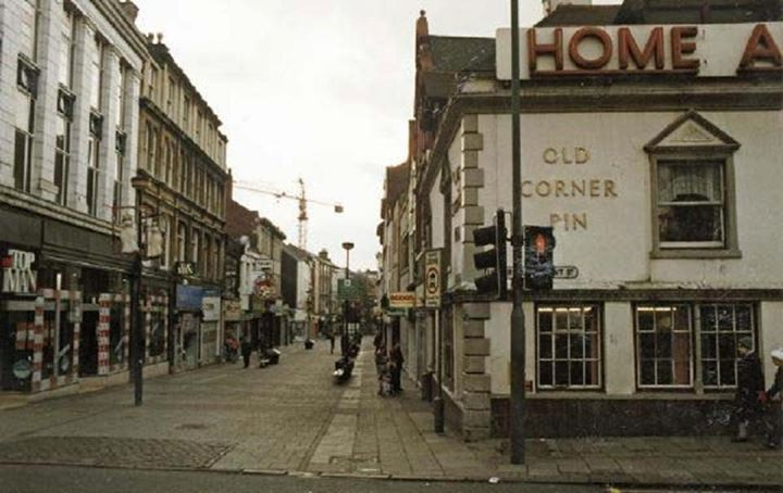 Old Corner Pin, Parliament Street, Nottingham, 1988. Looking south along Clumber Street, shortly before it closed in 1989. It is now a retail store: