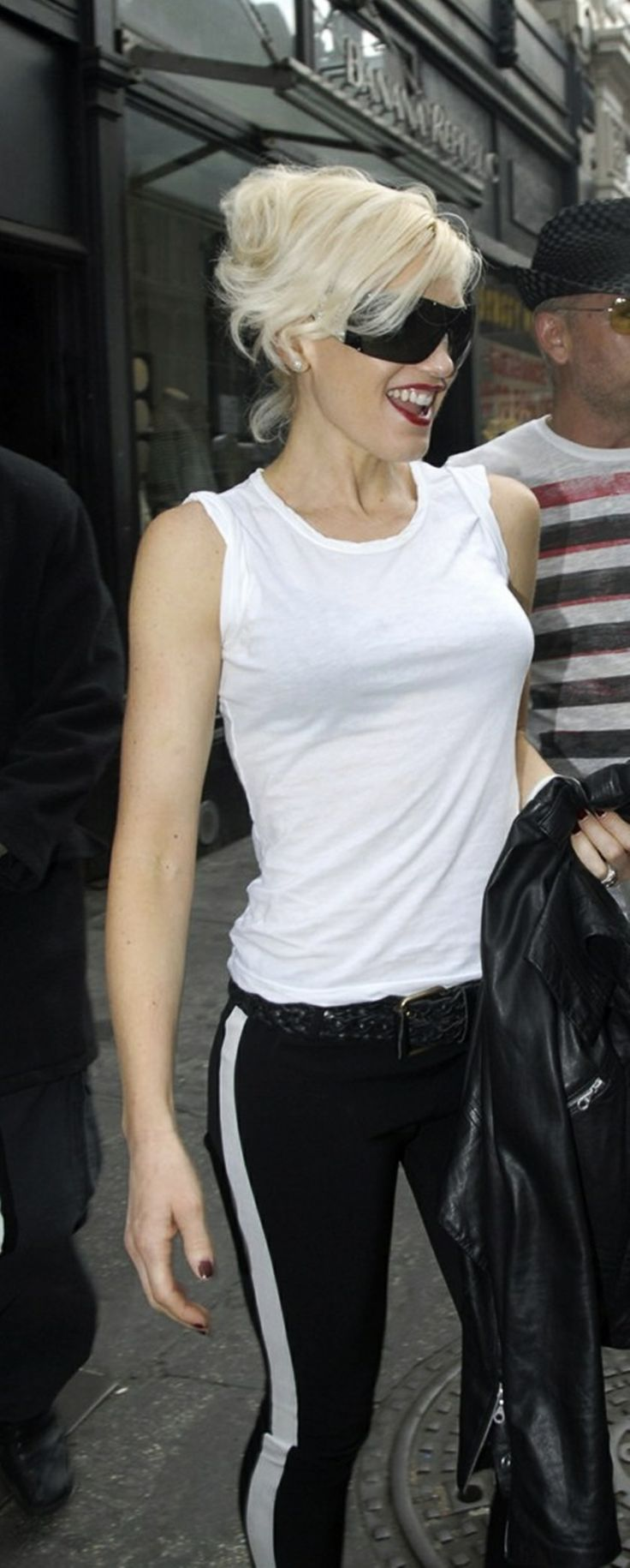 Gwen Stefani! Tuxedo stripe and white tank