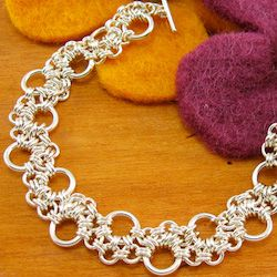 Double Bubble Jump Ring Chain.  Lots of free chain making instructions.