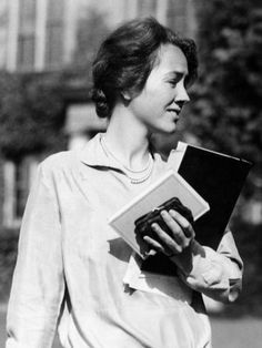 Passages: Gift From The Sea, Anne Morrow Lindbergh – 7 Saturdays