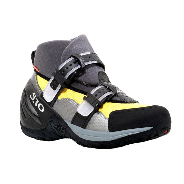 Rent canyoneer shoes and neoprene socks from Zion Adventure Company (435.772.1001) Pick up gear early! 8 AM