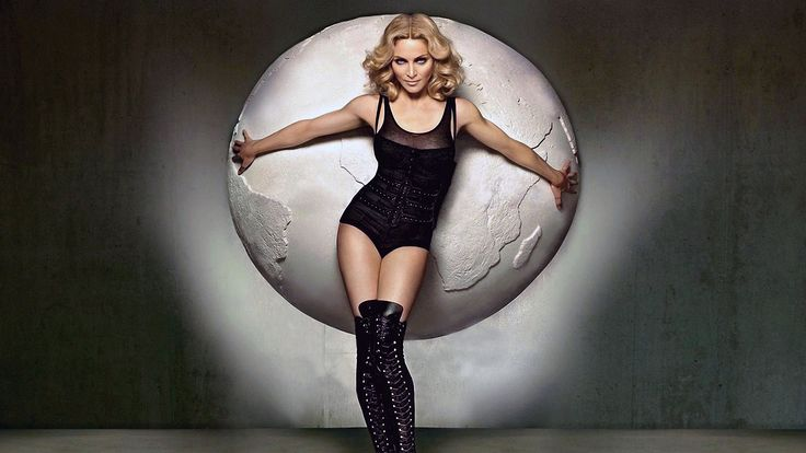madonna, body, legs - http://www.wallpapers4u.org/madonna-body-legs/