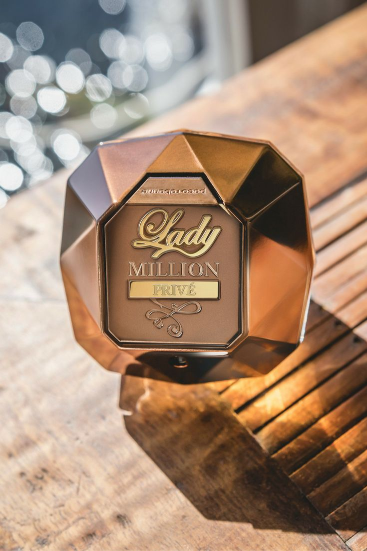 A new, intense version of the Paco Rabanne Lady Million, Lady Million Prive takes on a stronger, more vibrant composition