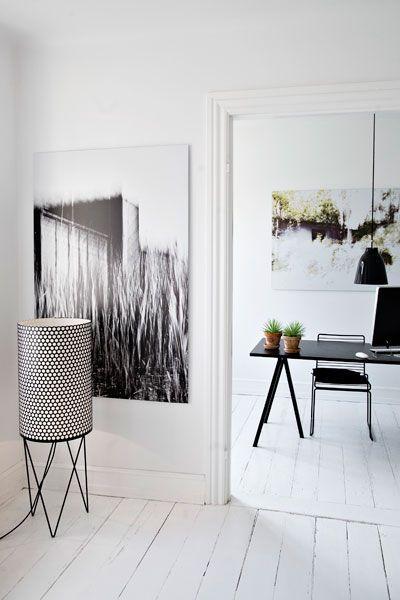 white floorsModern House Design, Modern Home Design, Design Ideas, Living Room Design, Design Interiors, Interiors Design, Work Spaces, Floors Lamps, White Floors