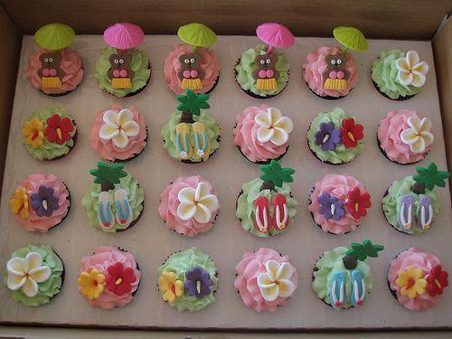 Mossy's Masterpiece - Ainsley's Hawaiian/luau cupcakes by Mossy's Masterpiece cake/cupcake designs, via Flickr