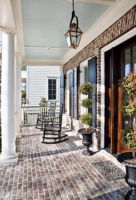 modern plantation style homes | ... house entrance. Antique lantern lights make a statement giving a