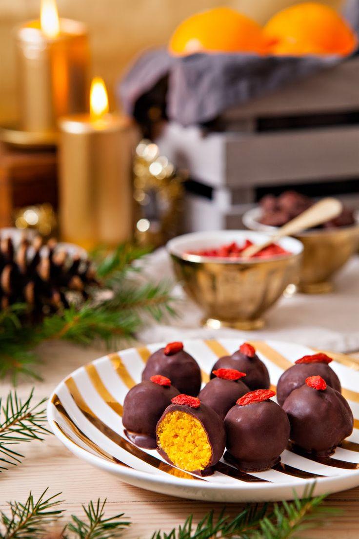 Mitt Gröna Kök: Mitt Gröna Köks Jul #3: Chokladdoppade apelsin- och saffransbollar