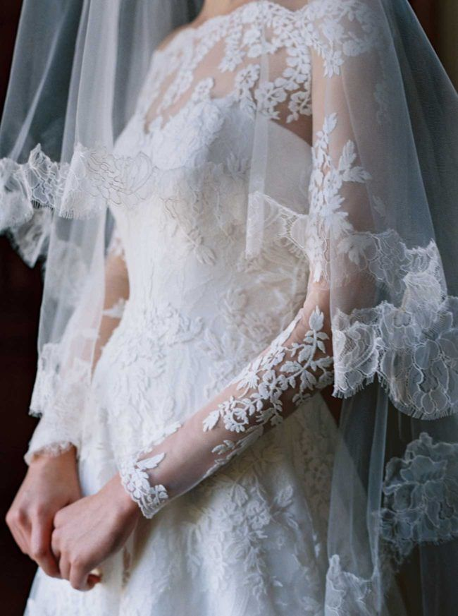 If you're looking for lace wedding dresses, check out Sareh Nouri's 2017 Wedding Dress Collection: http://www.confettidaydreams.com/sareh-nouri-2017-wedding-dress-collection/