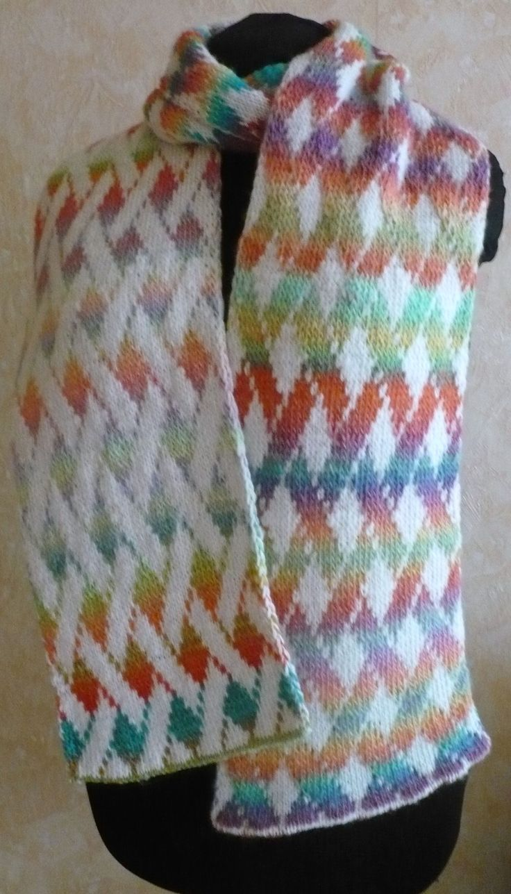 57 best double knitting images on pinterest patterns colors and vernetzt scarf pattern a beautiful double knit free pattern in german but is fully charted bankloansurffo Image collections
