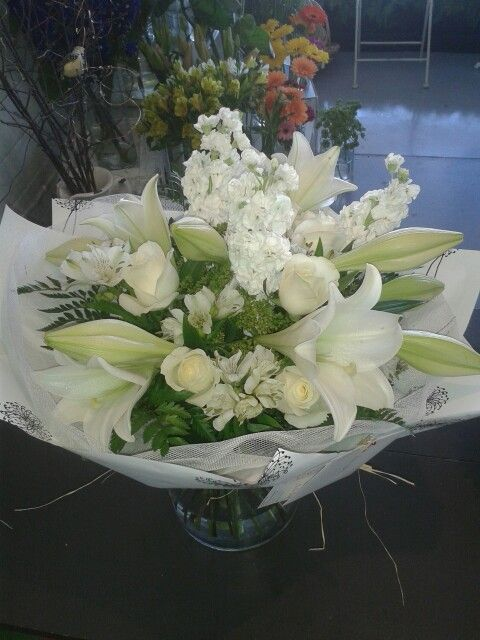 Classic white drenched in fragrance with stock and logiforum