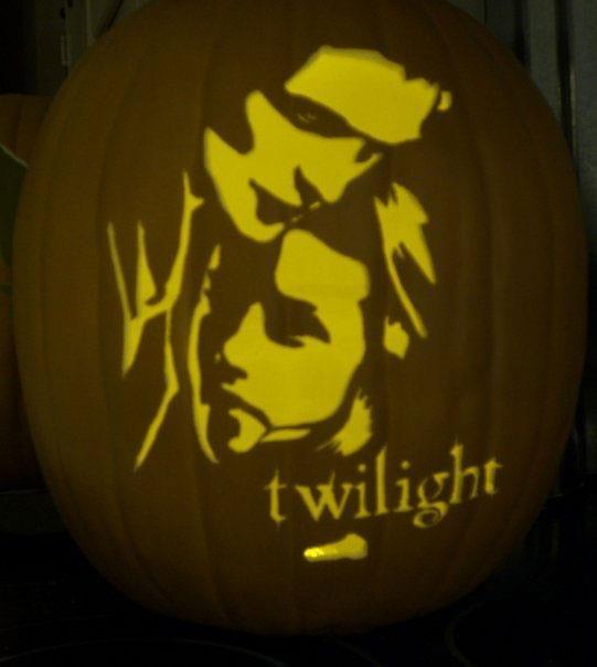 Twilight fans pumpkin!