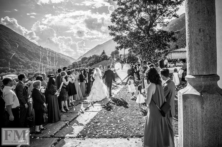 wedding...l'uscita  #fotomaddalena #svizzera #work #uscita #chiesa #wedding #wow #bianconero #blackwithe