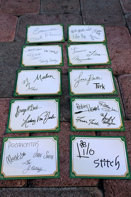 Incredible, complete collection of Long Lost Friends Autograph cards. Can we just take a moment to admire the artistry that went into each of these signatures? Look at Scrooge! Robin Hood! Pocahontas perfectly recreating her logo! Photo by #JadeRangel